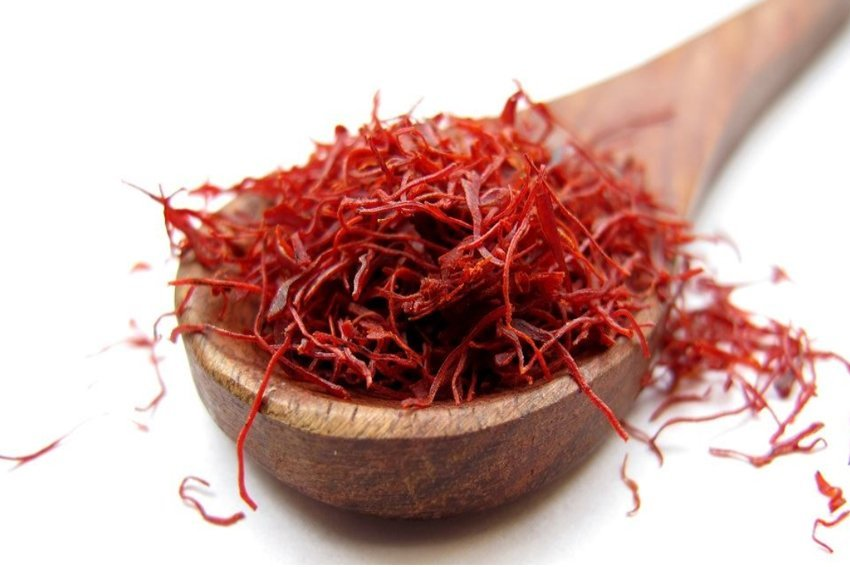 Saffron Health Benefits - Weight Loss, Mood Enhancement & Anxiety
